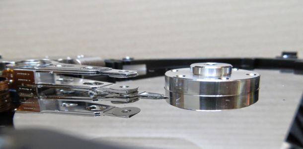 磁気ディスクとスピンドルモーター