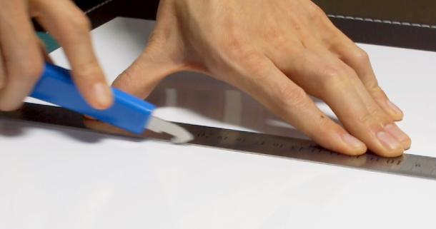 pカッターの使い方は簡単|アクリル板や塩ビ板が綺麗にカット ...