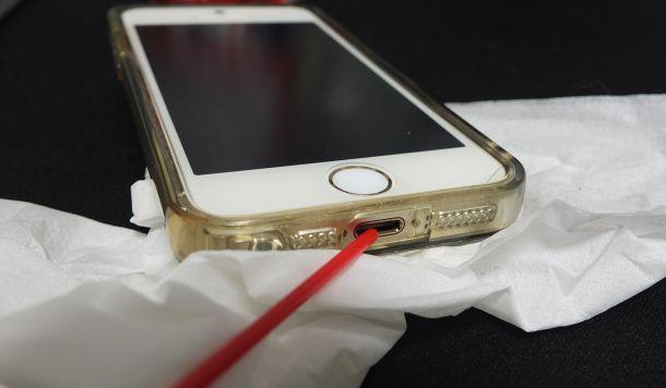 iPhoneにエレクトロニッククリーナー